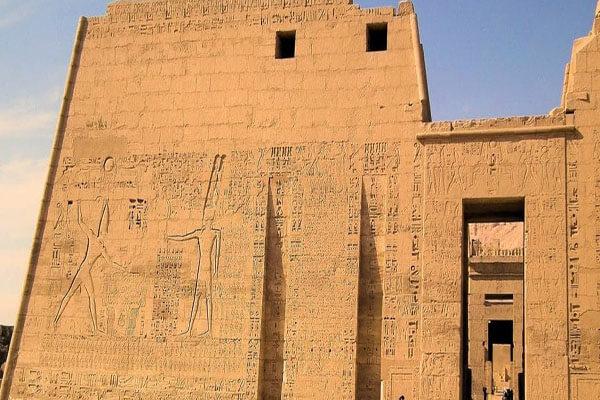 أهم المعلومات عن معبد الرمسيوم
